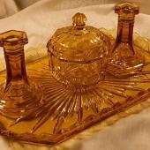 Libochovice 1760 amber - short candlesticks 1.1.JPG
